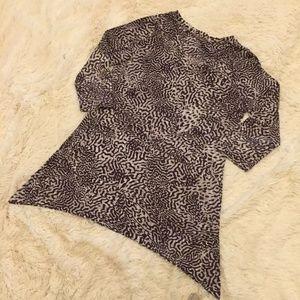 SOMA Animal Print High Low 3/4 Sleeve V Neck Top